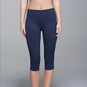 Lululemon Heathered Blue in the Flow Seamless crop